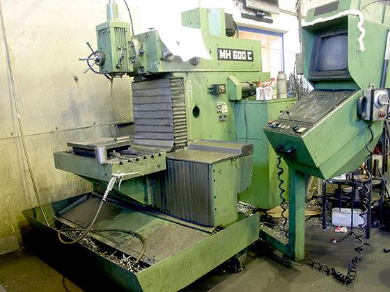 CNC Freesimine: Maho 600 X-450mm Y-400mm Z-400mm